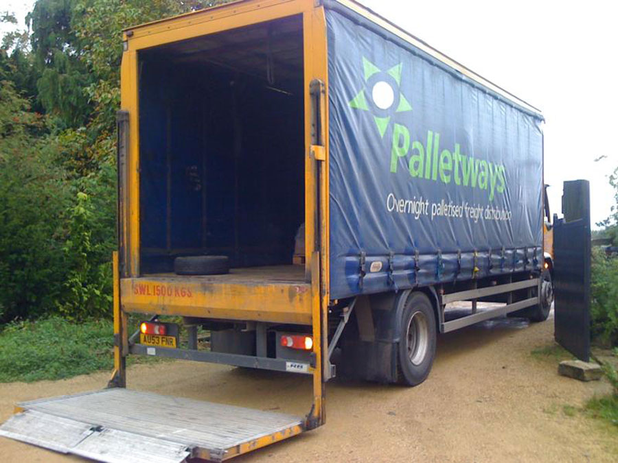 Nationwide pallet salt distributor